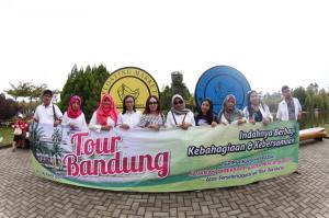 TOUR BANDUNG IBU WIDOWATI MALANG